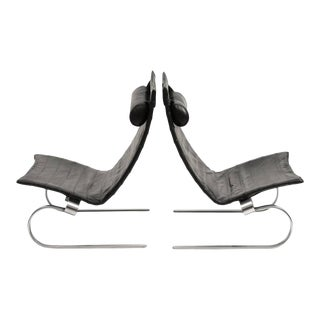 Pair of PK20 Lounge Chairs by Poul Kjærholm in Black Leather, 1980s For Sale