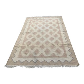 Kadinsi Flatweave Rug - 6′4″ × 9′ For Sale