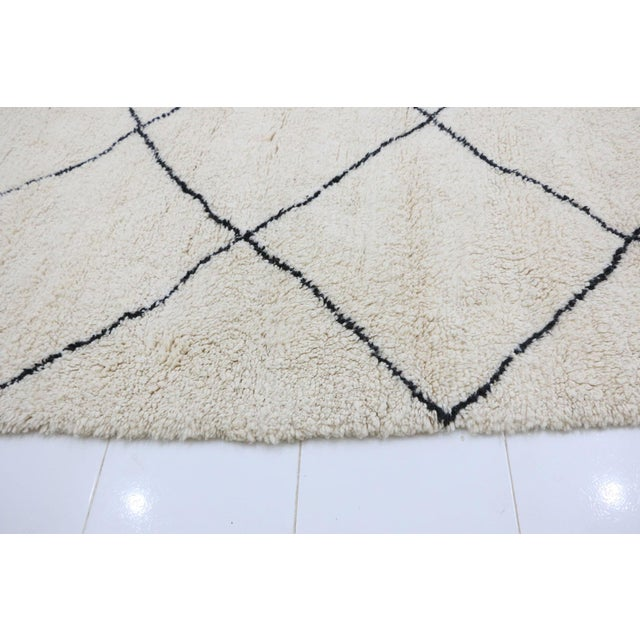 Contemporary Vintage Beni Ourain Moroccan Rug - 9′7″ × 12′8″ For Sale - Image 3 of 6