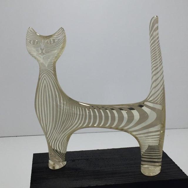 Mid Century Abraham Palatnik Lucite Cat Sculpture For Sale - Image 5 of 5