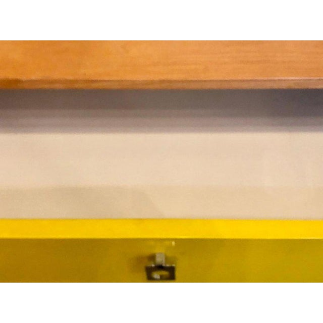 Pair of Founders Mid-Century Modern Bachelors Chests or Nightstands or Commodes For Sale - Image 11 of 13