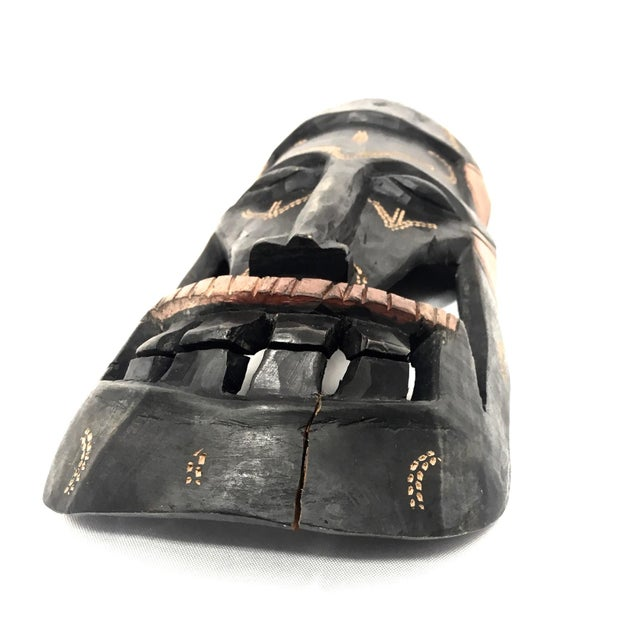 Mid 20th Century Kenyan Tribal Wall Masks, a Pair For Sale - Image 5 of 8