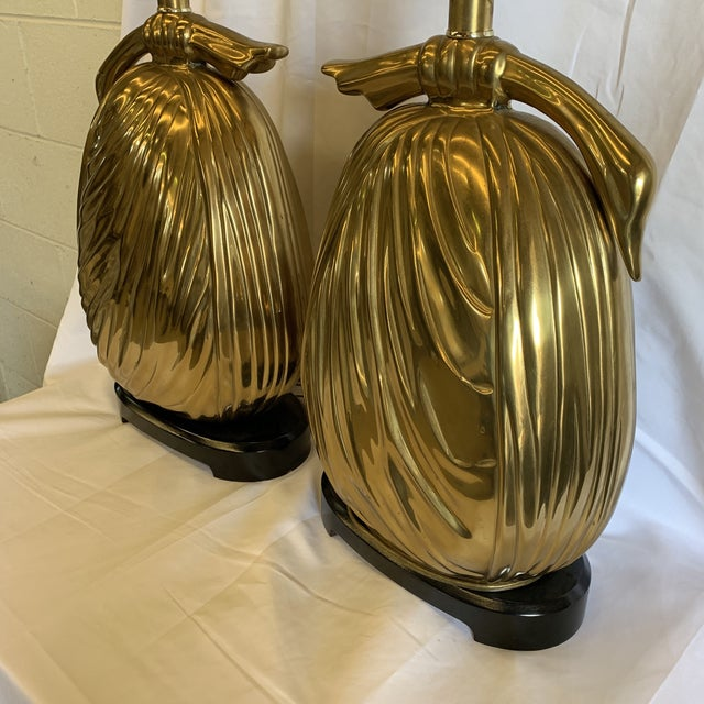 """Hollywood Regency Chapman Brass """"Sacks of Gold"""" Ribbon Table Lamps - a Pair For Sale - Image 3 of 13"""