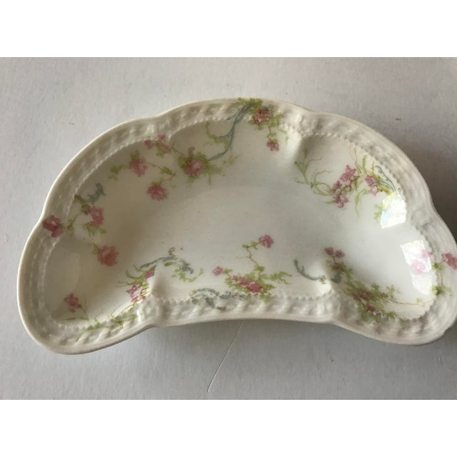 Traditional Haviland & Staffordshire Antique Crescent Bone Dishes - A Pair For Sale - Image 3 of 9