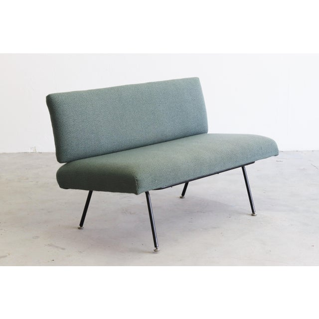 Florence Knoll 1950s Mid Century Modern Florence Knoll Model 32 Settee For Sale - Image 4 of 4