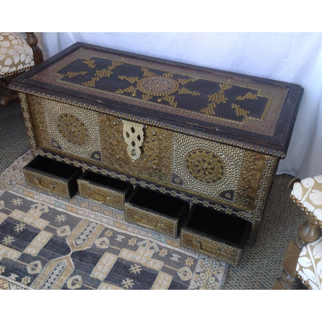 1980s Moroccan Chest / Coffee Table For Sale - Image 4 of 13