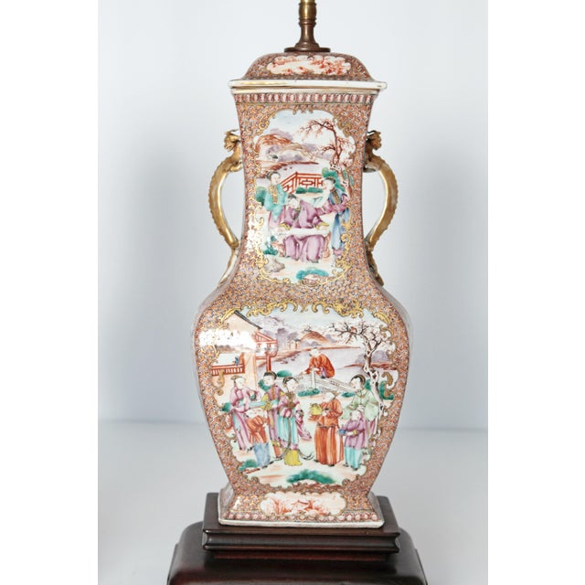 Pair of Early 19th Century Chinese Export Rose Mandarin Porcelain Jars as Lamps For Sale In Dallas - Image 6 of 13