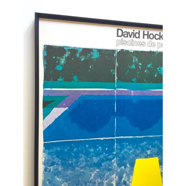 """David Hockney David Hockney Rare Vintage 1978 Iconic Fine Art Lithograph Print Framed Pop Art Poster """" Day Pool With Three Blues """" For Sale - Image 4 of 13"""