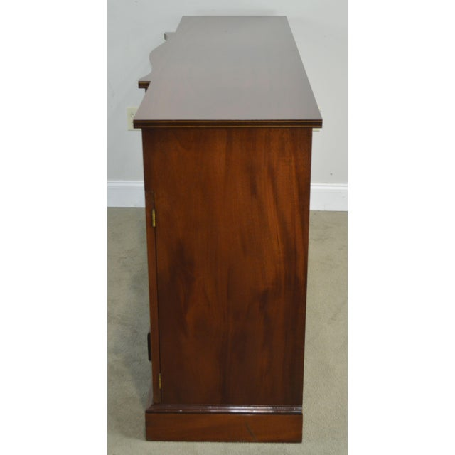 Federal Style 1940's Custom Flame Mahogany Inlaid Buffet Sideboard For Sale - Image 4 of 13