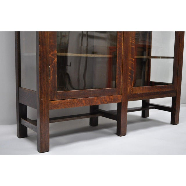 1900s Arts & Crafts Stickley Era Glass Double Door China Cabinet Bookcase For Sale In Philadelphia - Image 6 of 13