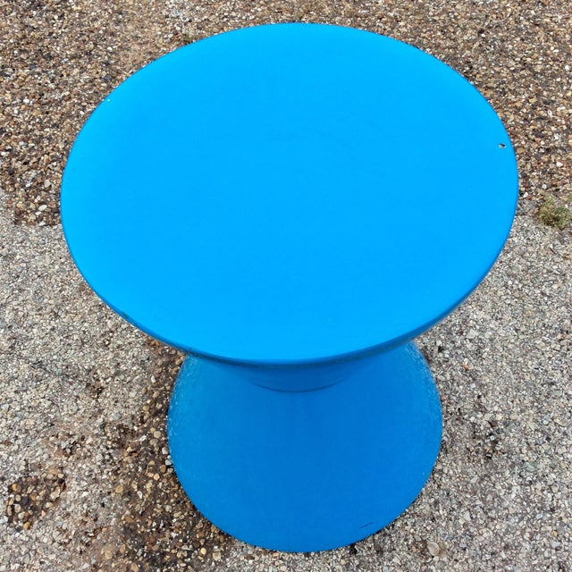 Memphis 20th Century Memphis Blue Molded Fiberglass Modernist Corseted Side Table For Sale - Image 3 of 8