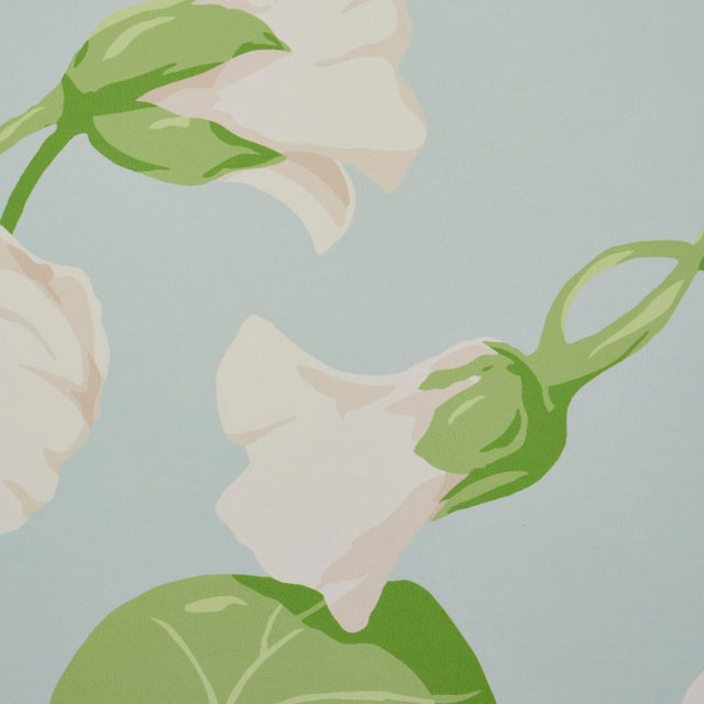 Contemporary Schumacher Nasturtium Wallpaper in Sky (8 Yards) For Sale - Image 3 of 6