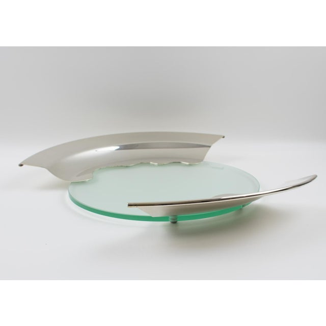 Mid-Century Modern 1980s Futurist Silver Plate Glass Platter Bowl Centerpiece For Sale - Image 3 of 11