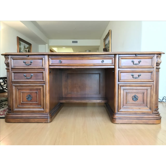 Villa Florence Executive Computer Desk by Hooker Furniture in Excellent Condition! This Villa Florence Executive Computer...