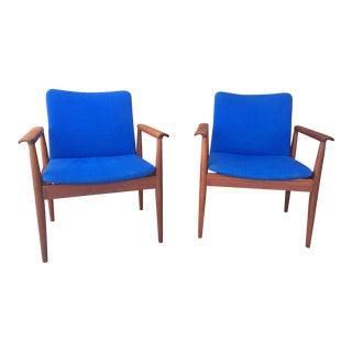 1960s Finn Juhl for France & Søn Danish Teak Diplomat Chairs - a Pair