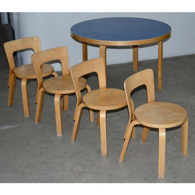 1930s 1930s Vintage Alvar Aalto Children's Table & Chairs - Set of 4 For Sale - Image 5 of 9