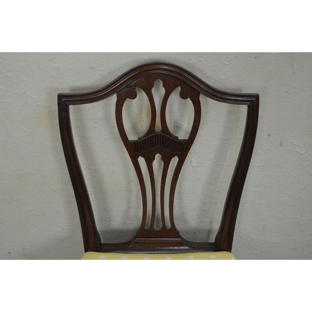 Antique 19th Century Pair of Mahogany Hepplewhite Period Shield Side Chairs For Sale In Philadelphia - Image 6 of 12