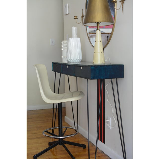 White Vintage Mid Century Fiber Glass Shell Swivel Bar Stool For Sale - Image 8 of 10
