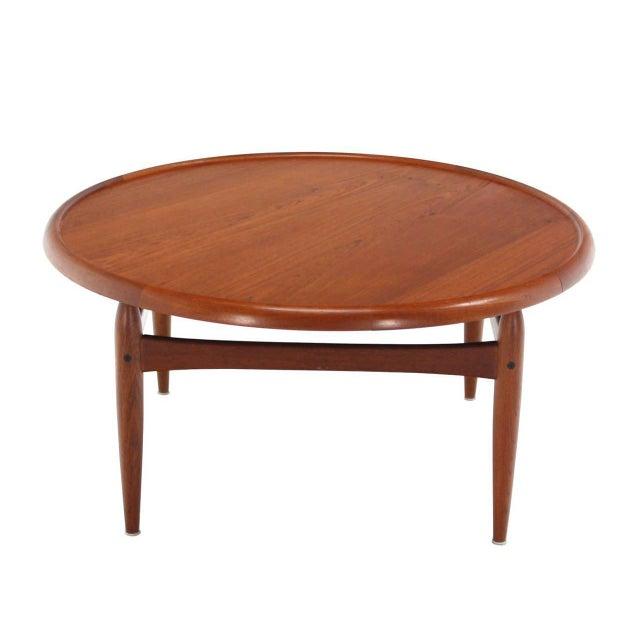 Reversible Flip-Top Danish Modern Round Teak Coffee Table For Sale - Image 4 of 9