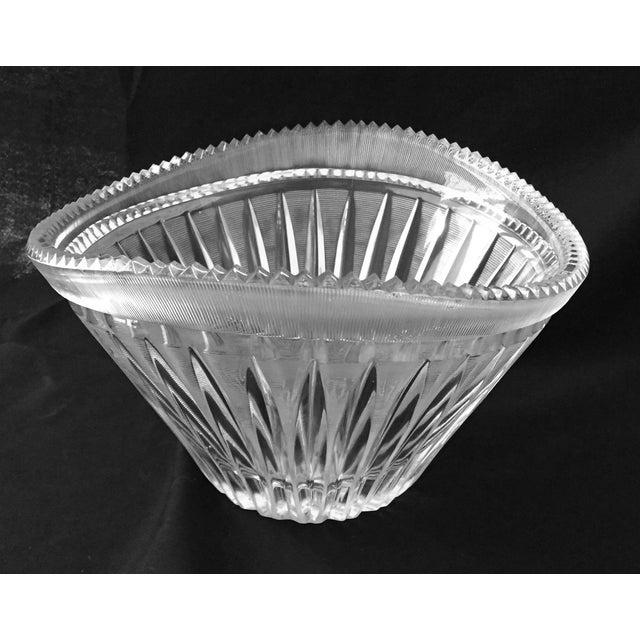 Mid-Century Modern Elegant Cut Crystal Bowl For Sale - Image 4 of 9