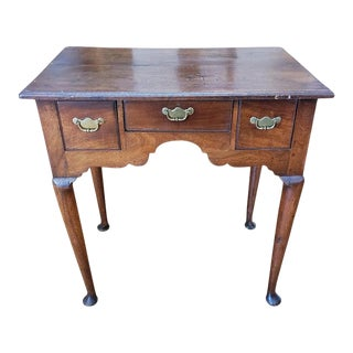 Early 18th Century Walnut Lowboy Table With Drawers and Cabriole Legs For Sale
