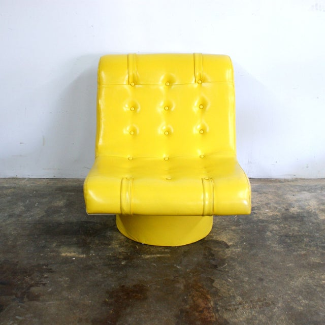 Mid-Century Modern Spaceage Mod Yellow Tufted Lounge Chair For Sale - Image 3 of 4