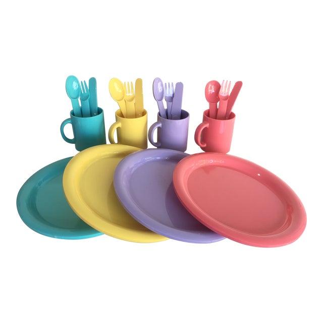 1980s Vintage Modern Pastel Melamine Dinnnerware - 20 Pieces For Sale