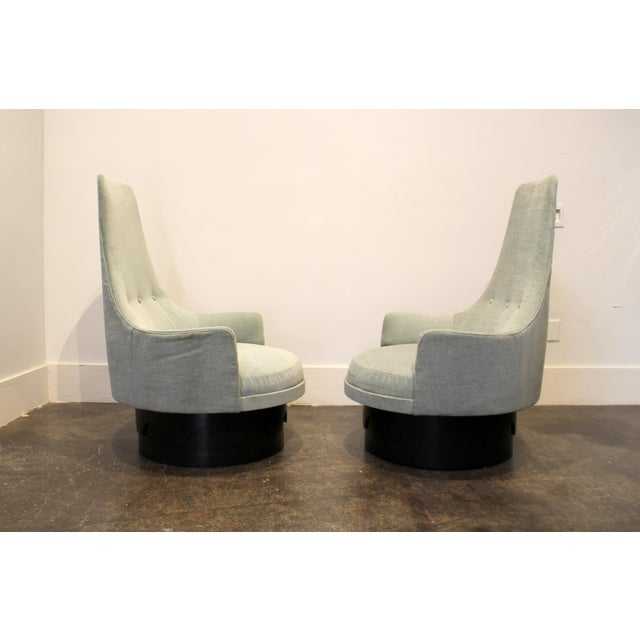 Mid-Century Modern Pair of Mid-Century High Back Swivel Lounge Chairs by Adrian Pearsall For Sale - Image 3 of 8