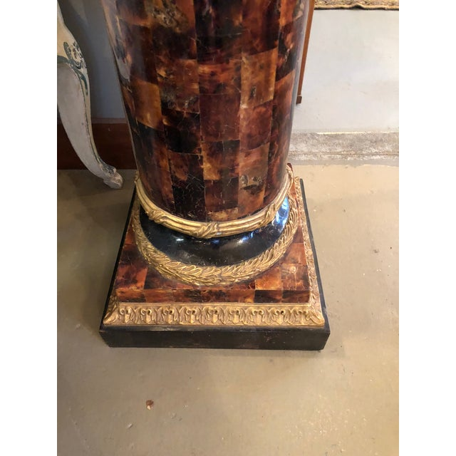 1900s Louis XV Gilt Corinthian and Verified Tortoise Shell Pedestals - a Pair For Sale - Image 9 of 11