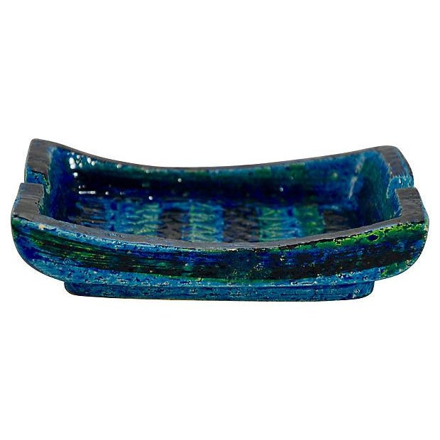 Midcentury Aldo Londi Rimini Blue pottery tray or oblong bowl for Bitossi with artisan crafted deeply incised paisley and...