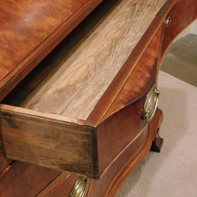 Pollarded Walnut Oxbow Chippendale Fall-Front Desk, Massachusetts, circa 1780 For Sale In Washington DC - Image 6 of 13