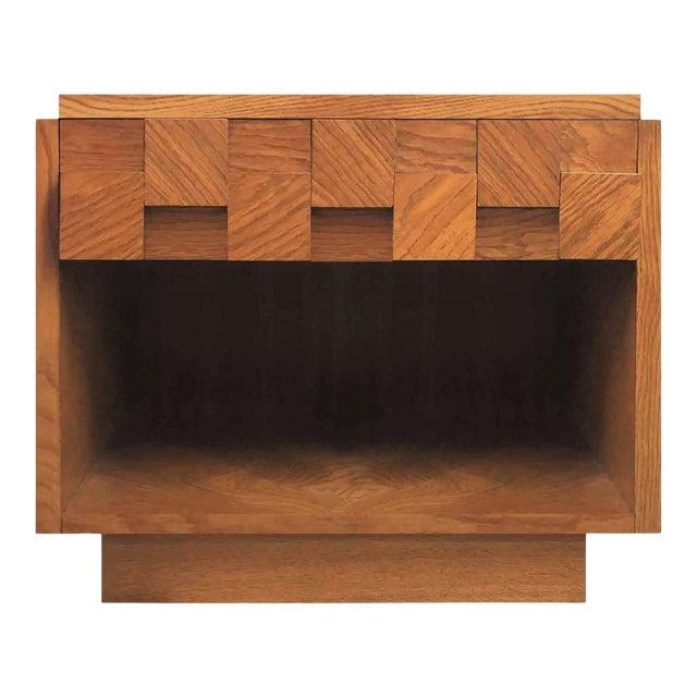 Mid Century Modern Lane Brutalist Oak Sculpted Walnut MCM Nightstand / End Table For Sale