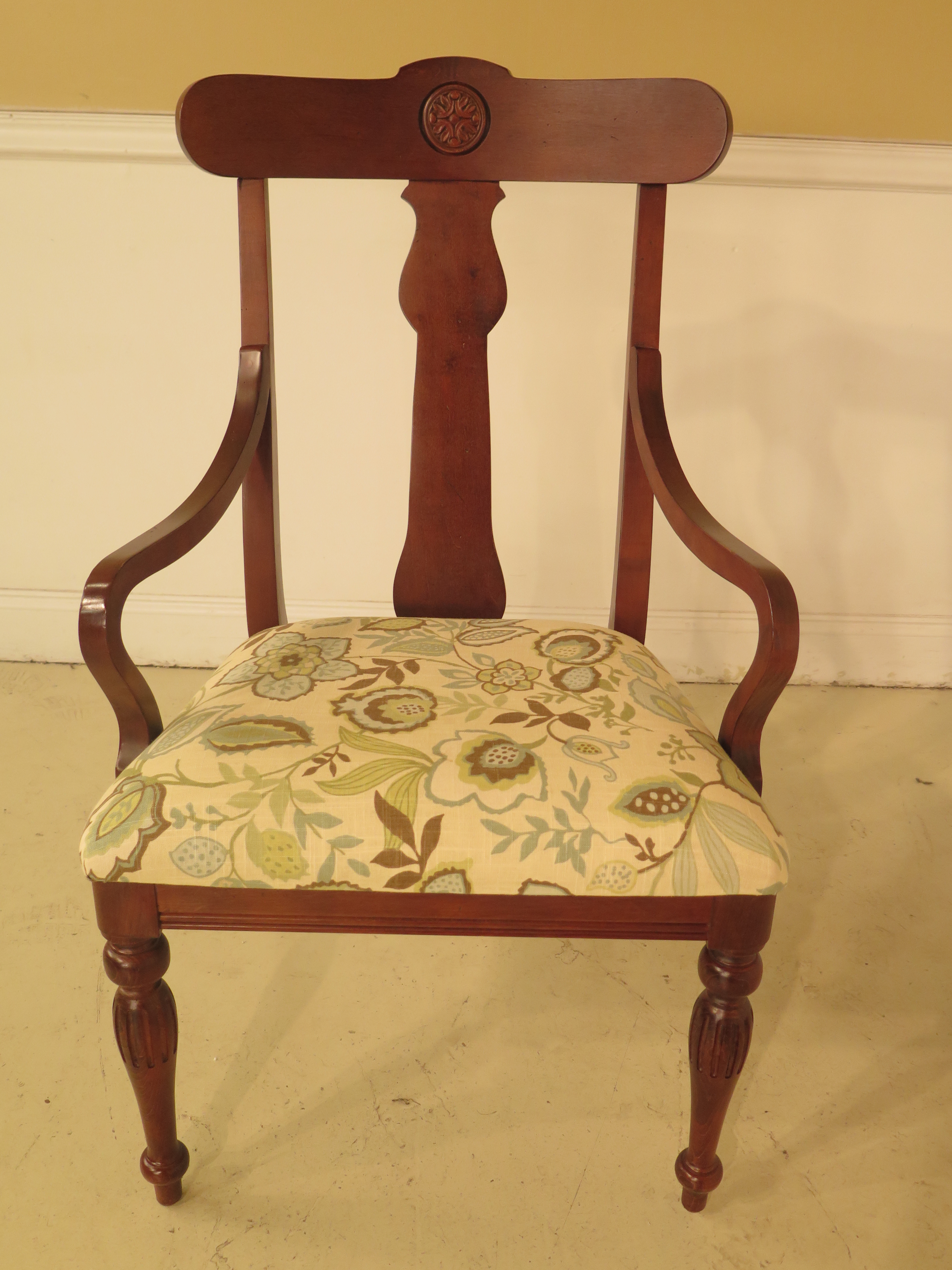 Item: 43999EC: Set Of 6 ETHAN ALLEN British Classics Dining Room Chairs Age: