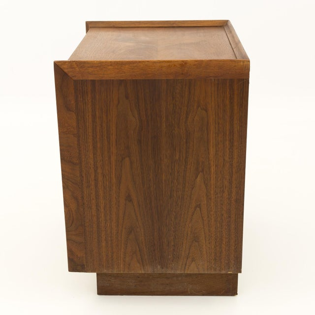 Brown Mid Century Modern Dillingham Nightstand For Sale - Image 8 of 10