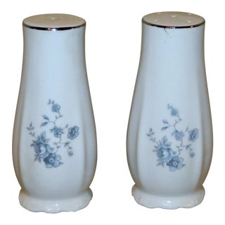 Vintage Johann Haviland Blue Garland Salt & Pepper Shakers - a Pair For Sale