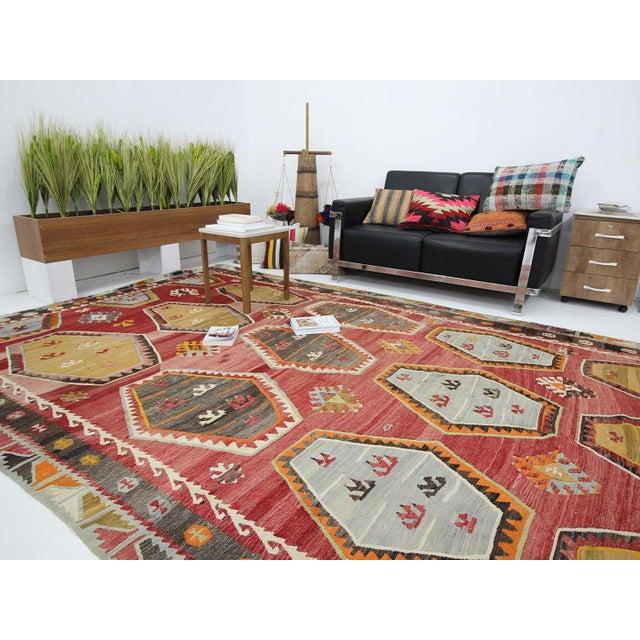 1960s Vintage Turkish Sivas Wool Kilim Rug- 7′6″ × 11′9″ For Sale In Los Angeles - Image 6 of 7