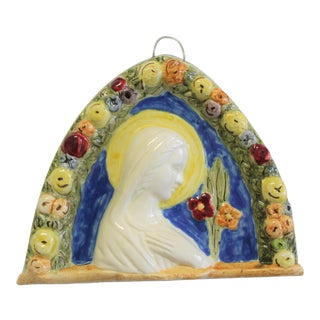 Vintage Italian Hand-Painted Ceramic Della Robbia Mary With Colored Flowers For Sale