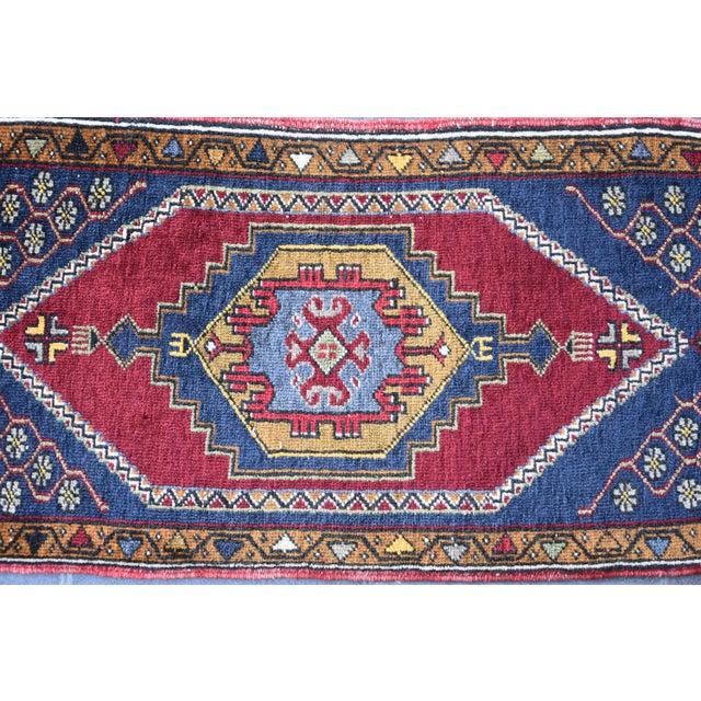 Vintage Turkish Handmade Rug - 1′7″ × 3′2″ For Sale - Image 4 of 7