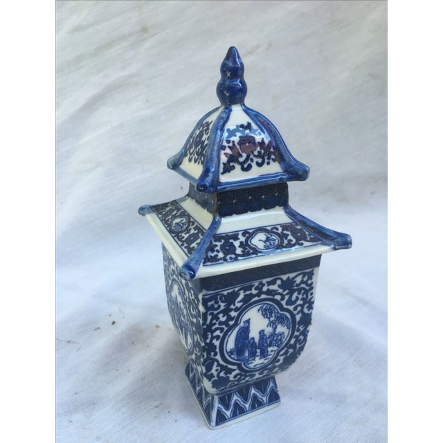 Blue & White Lidded Pagoda Vases - A Pair - Image 4 of 9