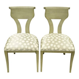 1960s Vintage eHollywood Regency Klismos Neoclassical Style Grey Painted Side Chairs- A Pair For Sale