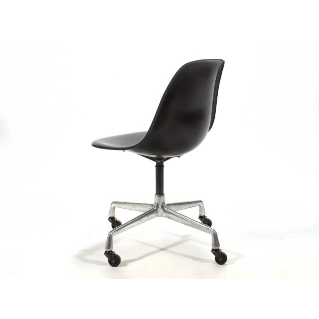 Eames PSC Fiberglass Side Chairs by Herman Miller, Set of 12 or More For Sale In Chicago - Image 6 of 7