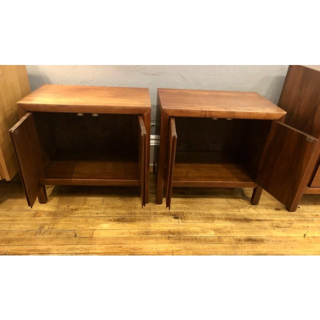 Mid-Century Modern Pair of Mid Century Walnut Nightstands 196s For Sale - Image 3 of 11