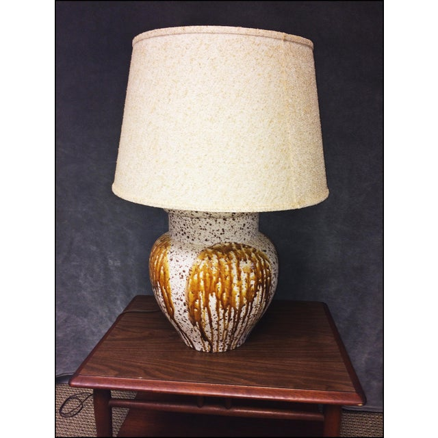 Mid-Century Modern Art Pottery Table Lamp - Image 3 of 11