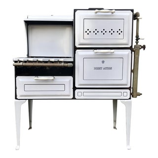 Antique White Stove by American Stove Company For Sale