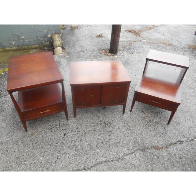 I have a gorgeous Mid-Century Broyhill Saga Living Room Three Piece End Table Set. This set of 3 pieces is in terrific...