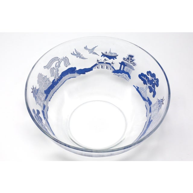 "Johnson Brothers Vintage ""Blue Willow"" Glass Serving Bowl by Johnson Brothers For Sale - Image 4 of 10"
