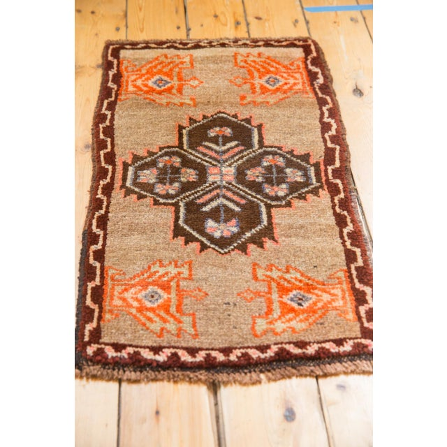 "1970s Vintage Oushak Rug Mat - 1'7"" X 2'9"" For Sale - Image 5 of 7"