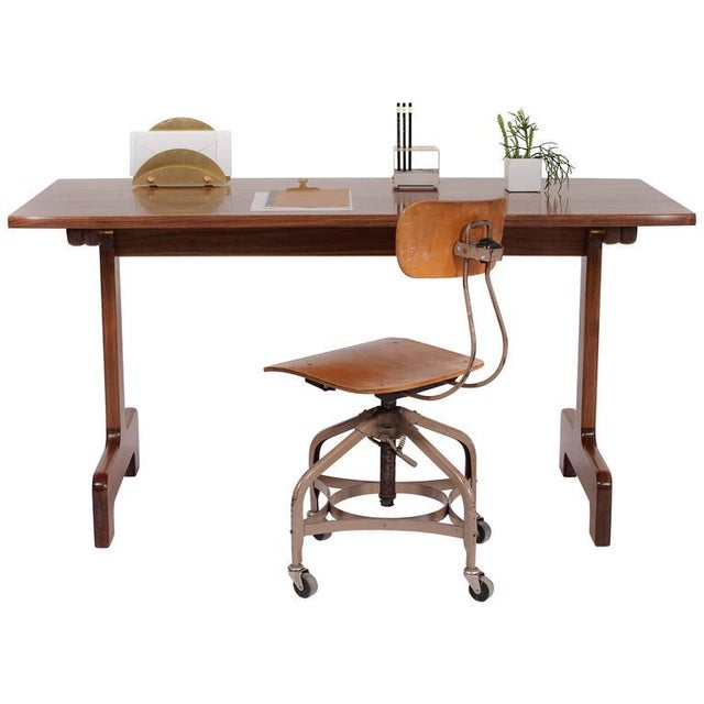 The soft curves of the Physalia desk will feel equally smooth under your pen or your stockinged heels. The tabletop's...