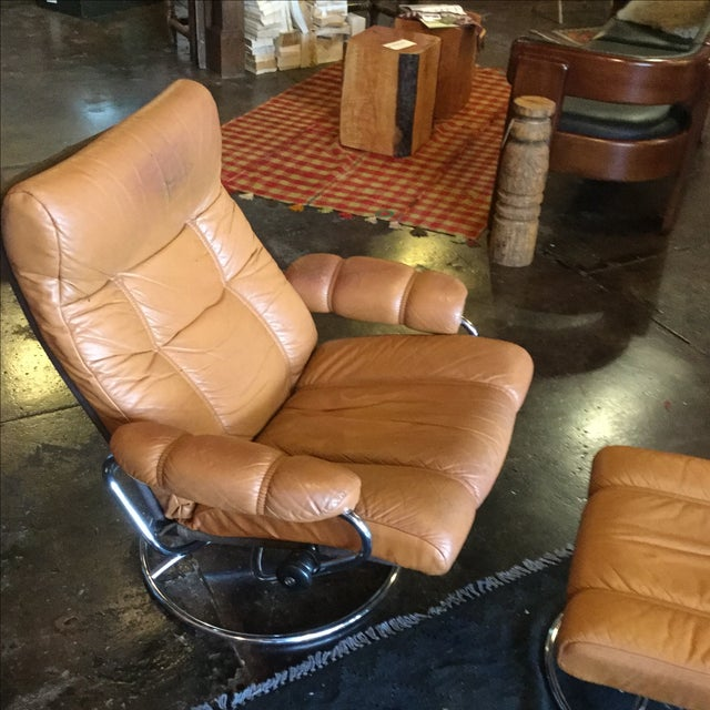 Ekrone Stressless Leather Recliner & Ottoman - Image 4 of 9