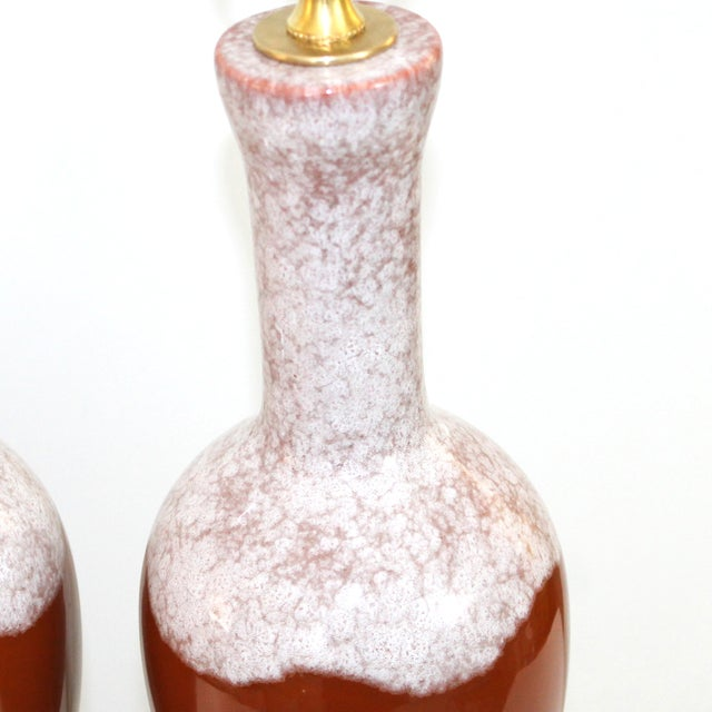 Mid-Century Modern Pottery & Lucite Lamps - a Pair - Image 4 of 6